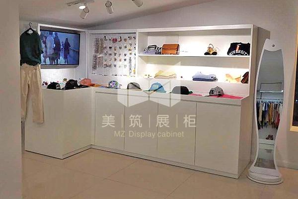 韩国品牌服装店